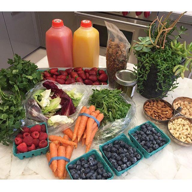 organic-fruit-yolanda-hadid