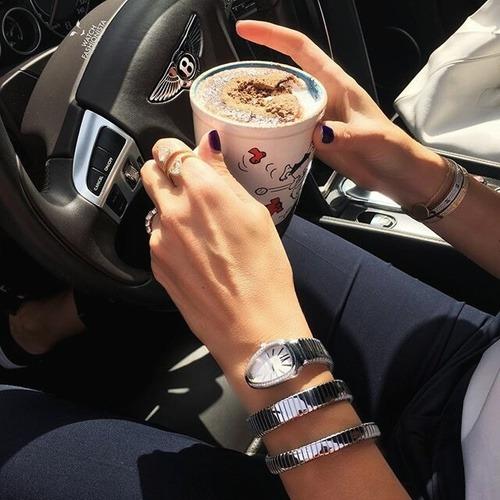 Se Puede Beber Café y Tener los Dientes Blancos