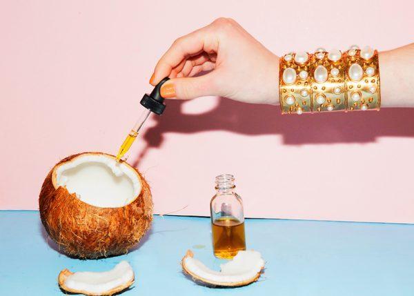 Aceite de Coco, el Cosmético Perfecto