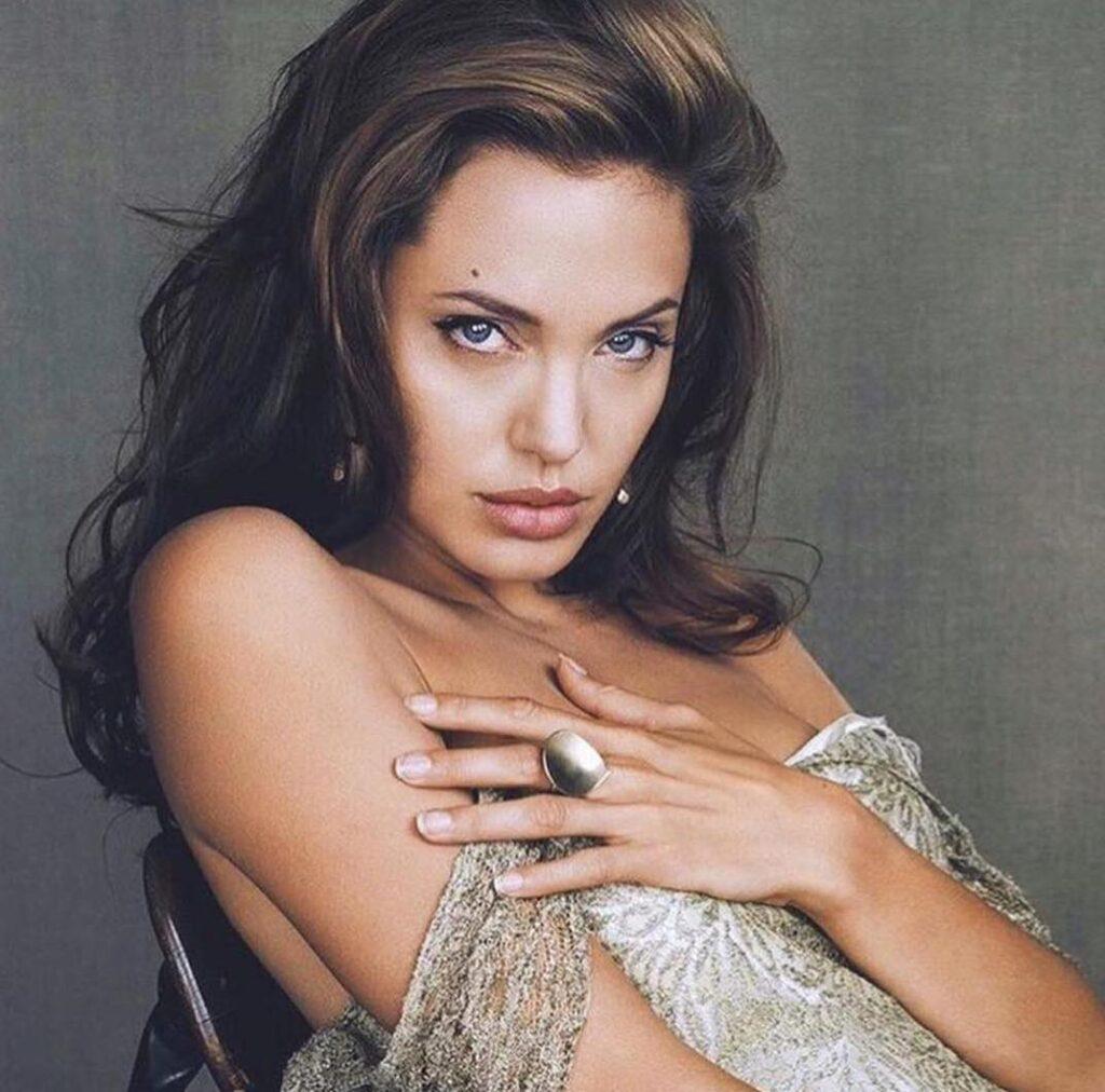 Angelina Jolie Tatuajes