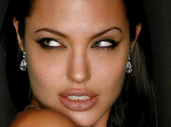 Los Pendientes de Angelina Jolie