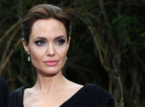 Cirugías de Angelina Jolie