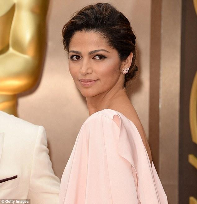 Camila Alves en la Ceremonia de los Oscar