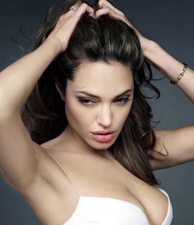 El último Retoque de Angelina