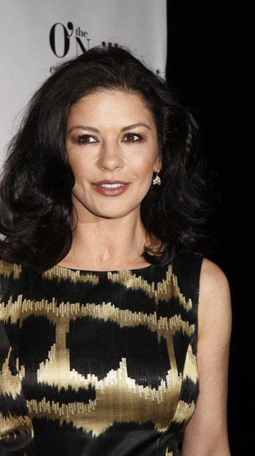 Catherine Zeta-Jones Operaciones