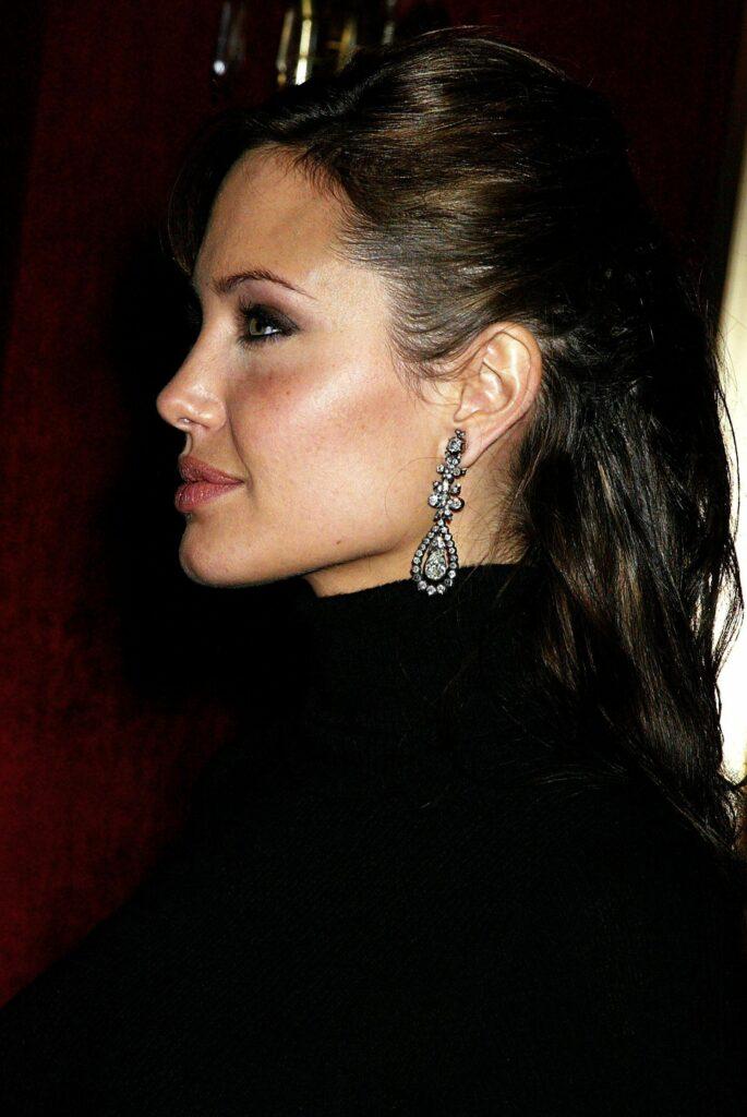 Angelina Jolie Rinoplastia