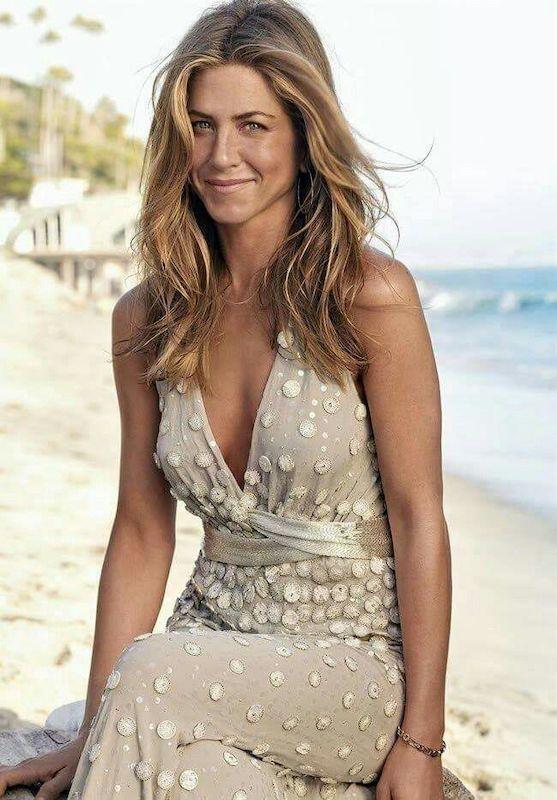 El Bronceado de la ex mujer de Brad Pitt